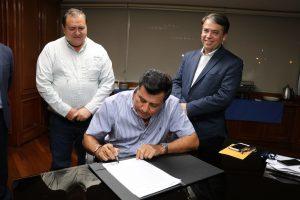 EEMPB firma contrato de reconocimiento de deuda con el INDE